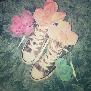 High top sneakers 💕(New)
